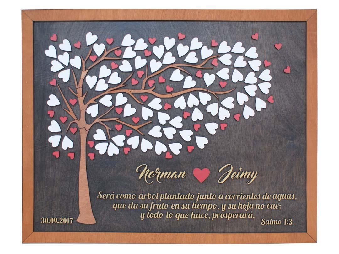Cuadro para firmas y mensajes de boda modelo Brisas con lienzo en madera tono nogal y marco en miel. Detalles decorativos en dorado y rojo. Salmo.